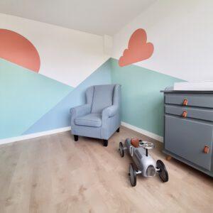 Muurschildering babykamer kleurvlakken