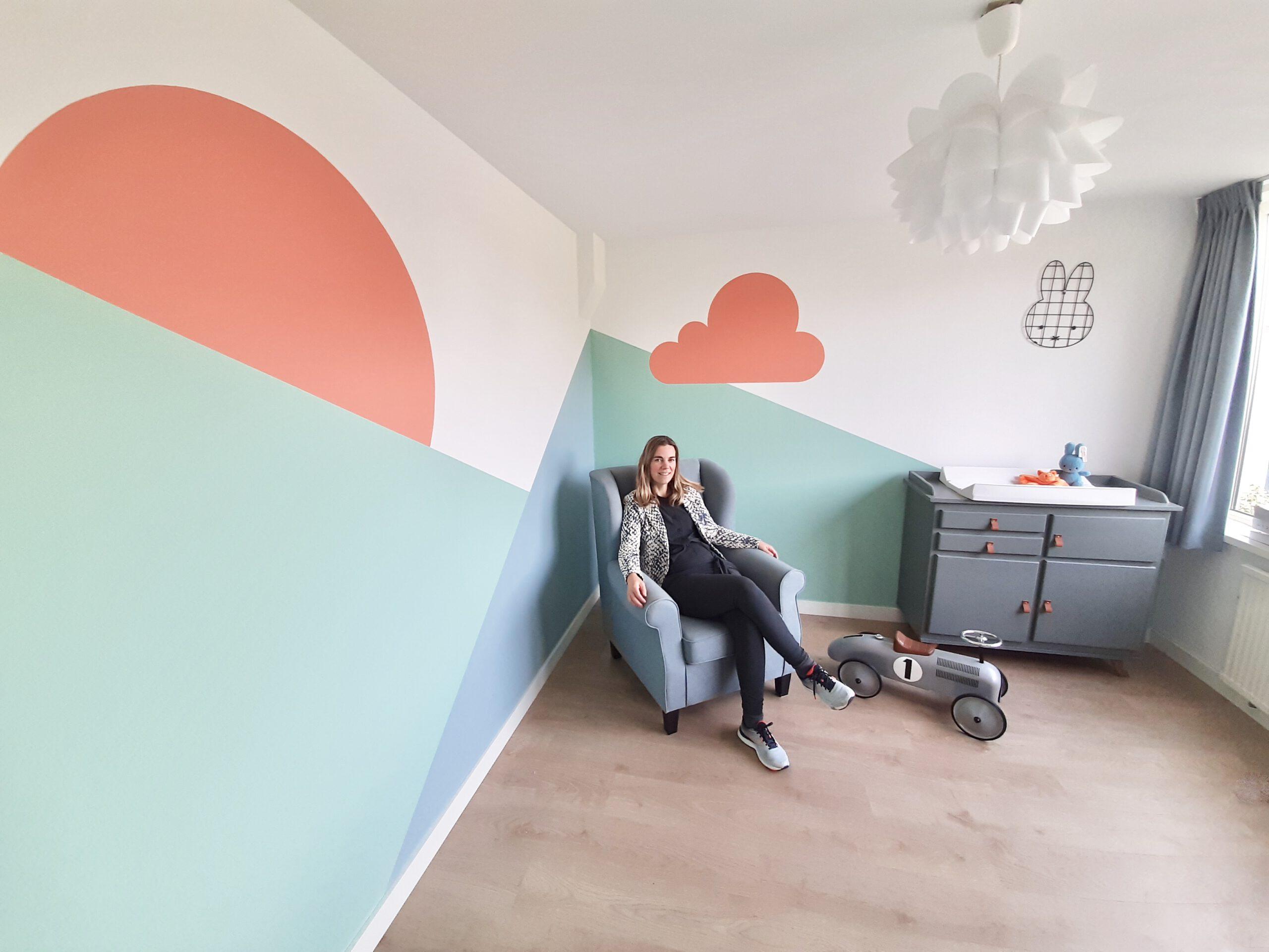 muurschildering babykame