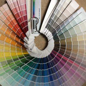 kleurenwaaier voor kleur op muur