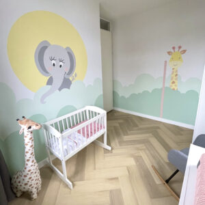 muurschildering babykamer safari