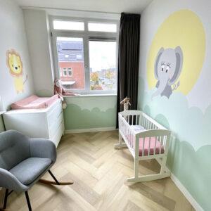 babykamer muurschildering wolken