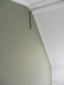 Hoe krijg ik een strakke lijn op muur met verf